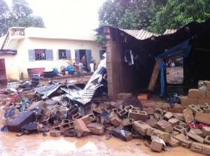 Habitats dévastrés suite a la rupture des murs