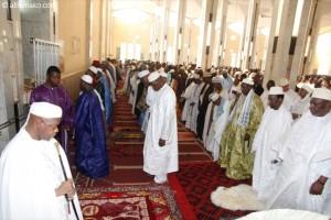 A la grande mosquée de Bamako en présence du Président de la République et de ses officielles. Image: aBamako.com