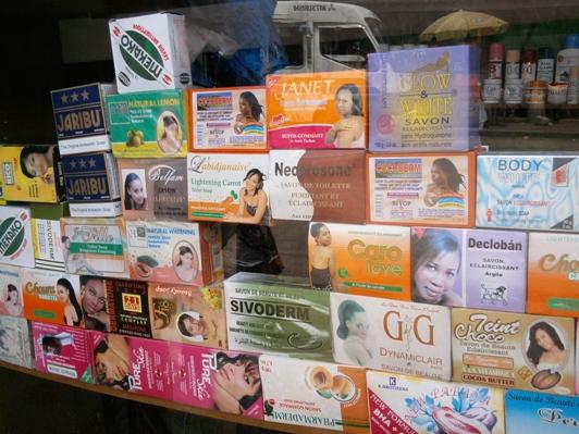 produits cosmétiques dépigmentant - Crédit photo: pascaldjim.blogspot.com